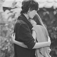 我们彼此都只要一个拥抱~