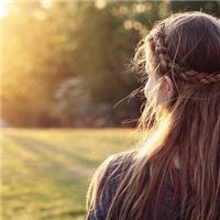 长发女生远望伤感唯美图片