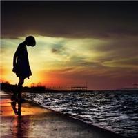 孤独一个人伤感唯美