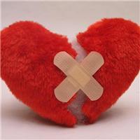 心痛的图片:心碎的图片滴血