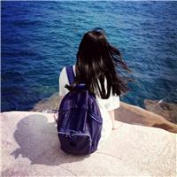 失望伤心的女生图片:实拍海边女生背影