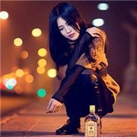 女人伤心喝酒的图片:女人喝酒图片大全伤感,伤心女人喝酒图片大全