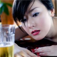 女人喝酒后奔放的图片:女人喝酒难受的图片