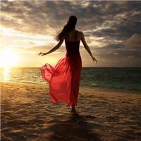 美女背影头像唯美海边:美女背影头像唯美
