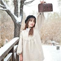 冬季意境图片女:冬天带字图片大全