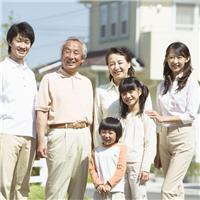 世界很大,幸福很小。一家人整整齐齐,健健康康