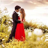异地恋,见到ta的那一刻,包一扔只想着拥抱对方