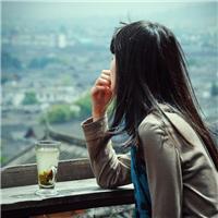 有时候,你选择与某人保持距离,不是因为不在乎