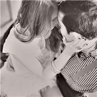 情侣图片唯美拥抱黑白