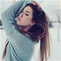 冬季女生背影图片