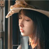 列车女孩唯美图片
