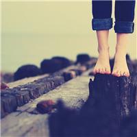 当一个人熬过了最艰难的时候,就不再想去寻找依靠