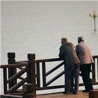 想离开的人有千万种理由 想陪伴的人永远赶不走 