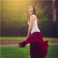 人生就像一场舞会,教会你最初舞步的人却未必能陪你走到散场。