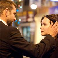愿你遇到一个成熟的爱人,那个能让你不用在咬着牙逞强,憋着泪倔强的人。 