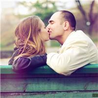 爱,不是寻找一个完美的人,而是学会用完美的眼光欣赏那个不完美的人