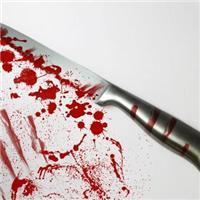 刀子和心碎滴血的图片