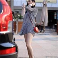 """街拍:""""乳""""此妖娆的少妇,三十岁左右,丰满的上围实在吸引人!-北京时间"""