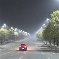 路灯图片夜晚_夜晚一个人孤独的图片