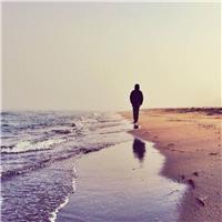 人生是一场一个人的旅程,无人可替代.总有人离开,总有人到来.