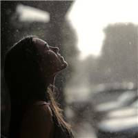 说说图片淋雨