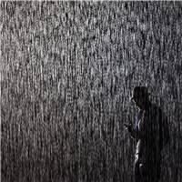 雨天淋雨的伤感壁纸淋雨伤感