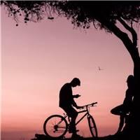 动漫骑单车头像幸福