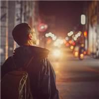 生活不易,请继续努力      #男生#男人#背影#街拍