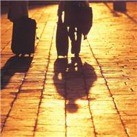 生活不易,请一定要爱自己#街拍#背影