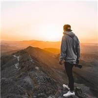 生活本来就不易,不必事事渴求别人的理解和认同#男生#风景#男人#背影