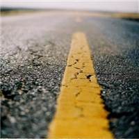 一直朝着远方,是因为回不到从前.#公路