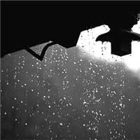 坐听风吹雨 笑呤古今人#下雨