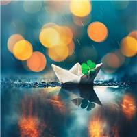 小纸船图片#唯美#下雨