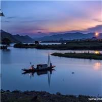 学会简单生活,简单是一种平凡,但不平庸#湖水#夕阳