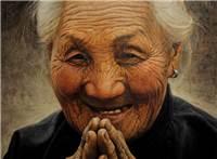 小区高层的电梯窗前,一位老祖母翘首盼望儿女们的到来#老人#伤感