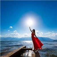 吹啊吹啊 我的骄傲放纵#女生#女人#湖水#唯美