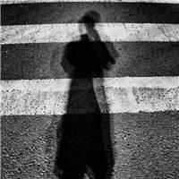 终于要结束了 这一年真的过的好郁闷 希望以后不要再有这么郁闷的#街拍#黑白