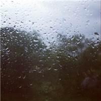 下雨天…总是让人心情烦躁的#下雨